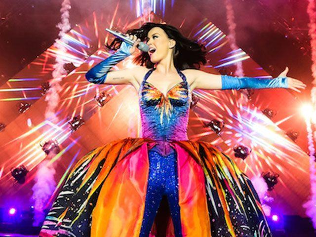 Katy Perry a Milano il 21 febbraio 2015, unico concerto in Italia del Prismatic World Tour