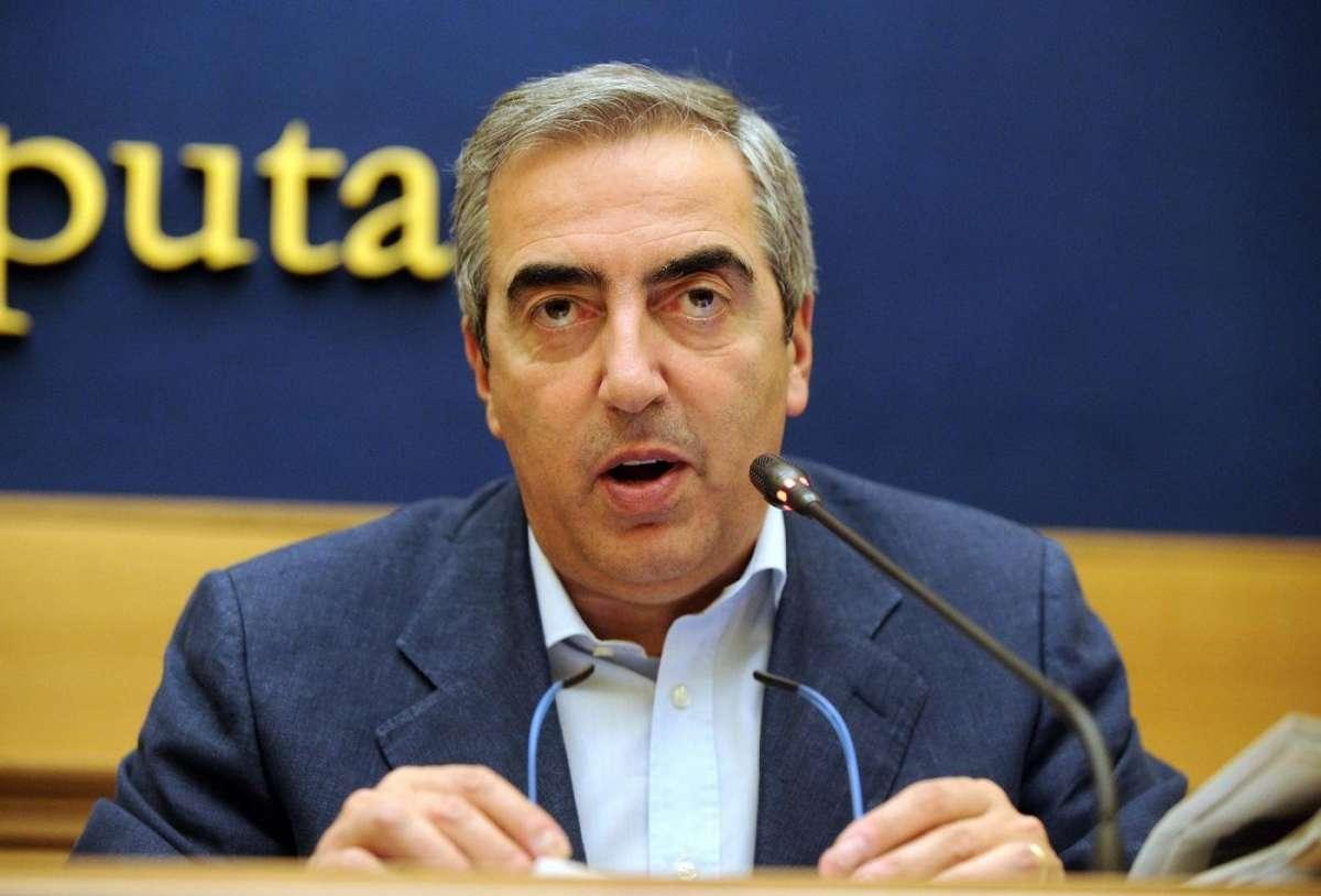 Maurizio Gasparri gaffe: tutte le figuracce del senatore di Forza Italia