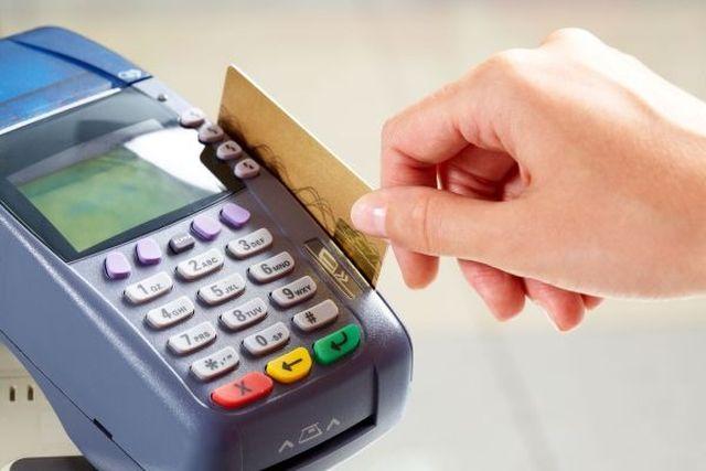 Pos obbligatorio per professionisti e artigiani: niente sanzioni e riduzione dei costi