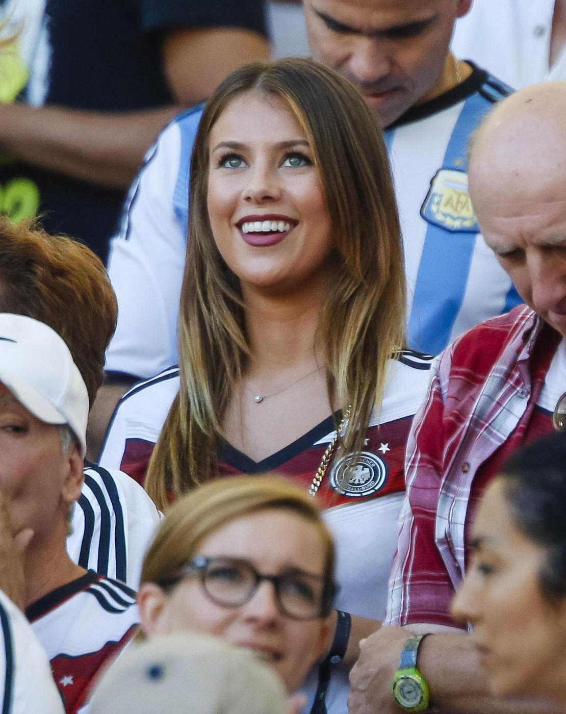 Le wags dei calciatori della Germania festeggiano la vittoria al mondiale