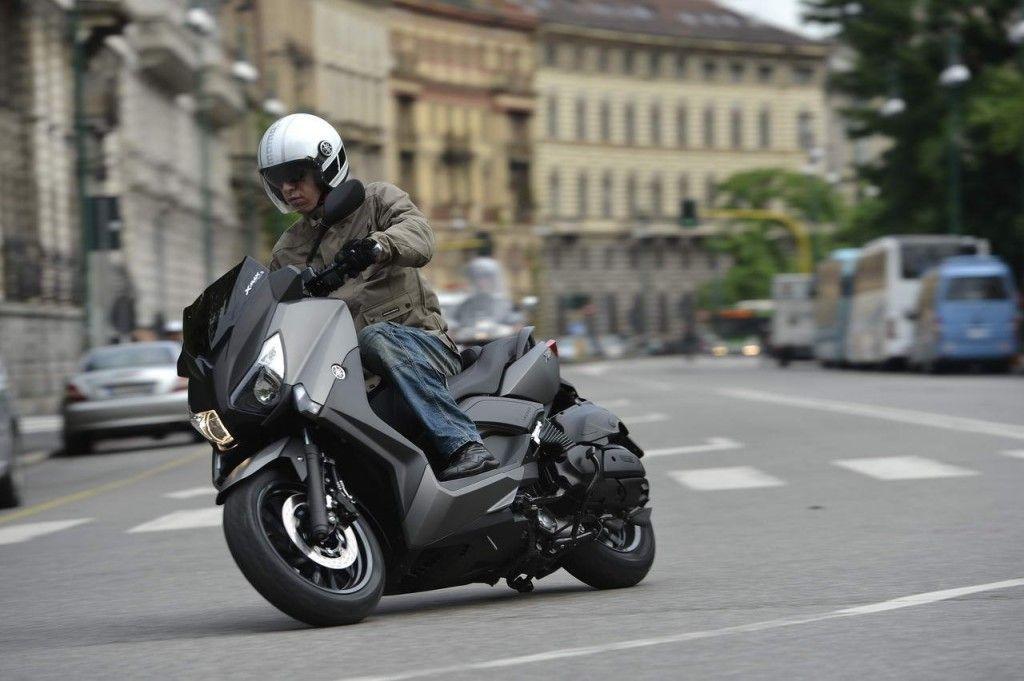 15 Yamaha X MAX 1024x681