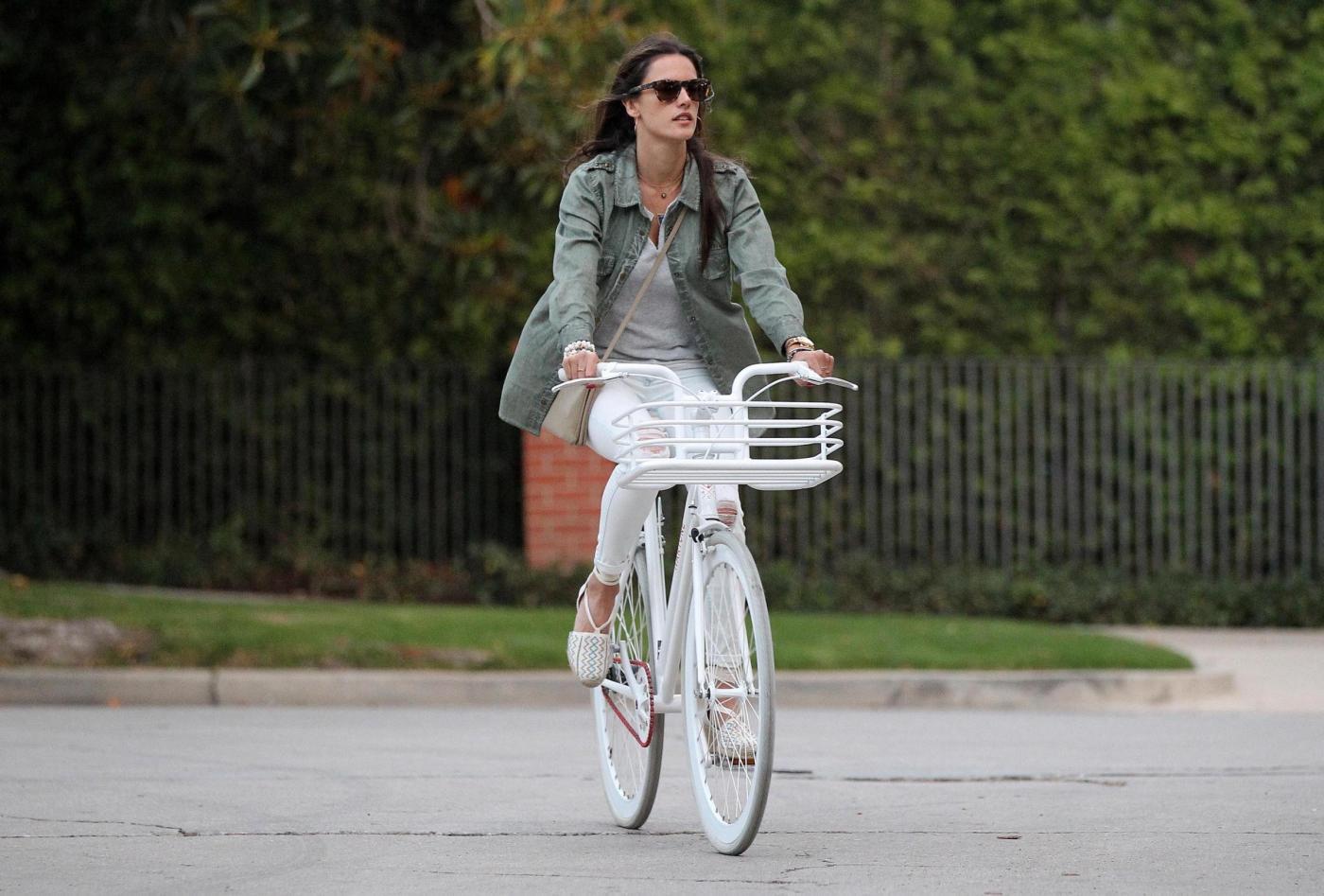Vacanze sostenibili: gli italiani amano la bici