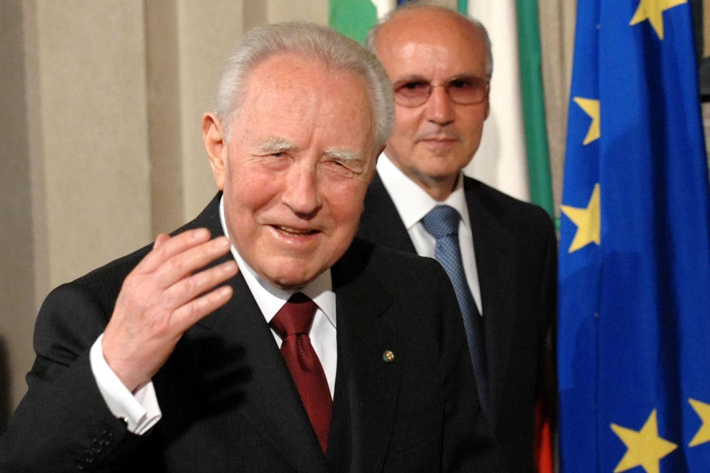 Carlo Azeglio Ciampi, salute a rischio ma l'intervento è riuscito senza complicazioni