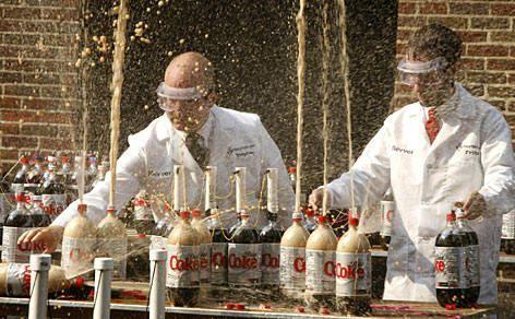 Mentos e Coca Cola: il perché dell'esplosione