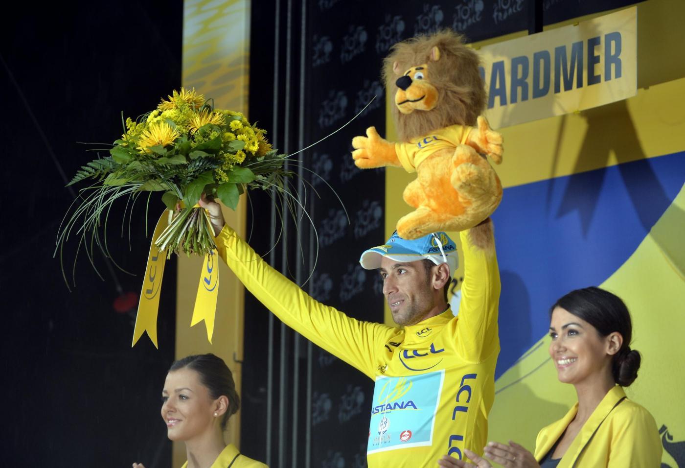 Nibali maglia gialla Tour de France 2014 palco