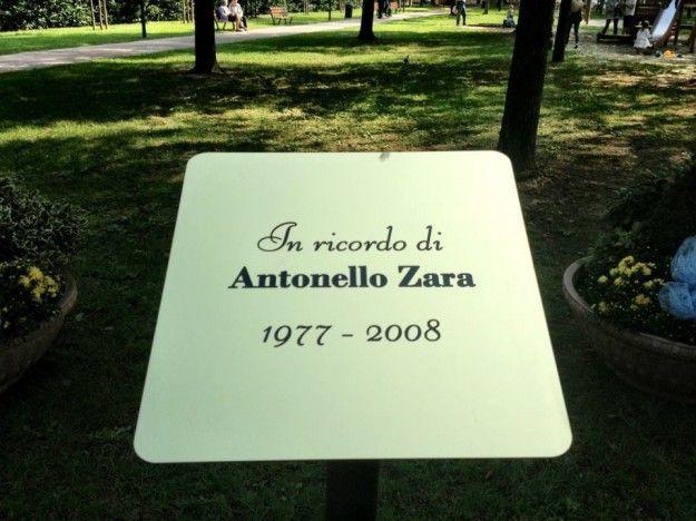 Targa in ricordo di Antonello