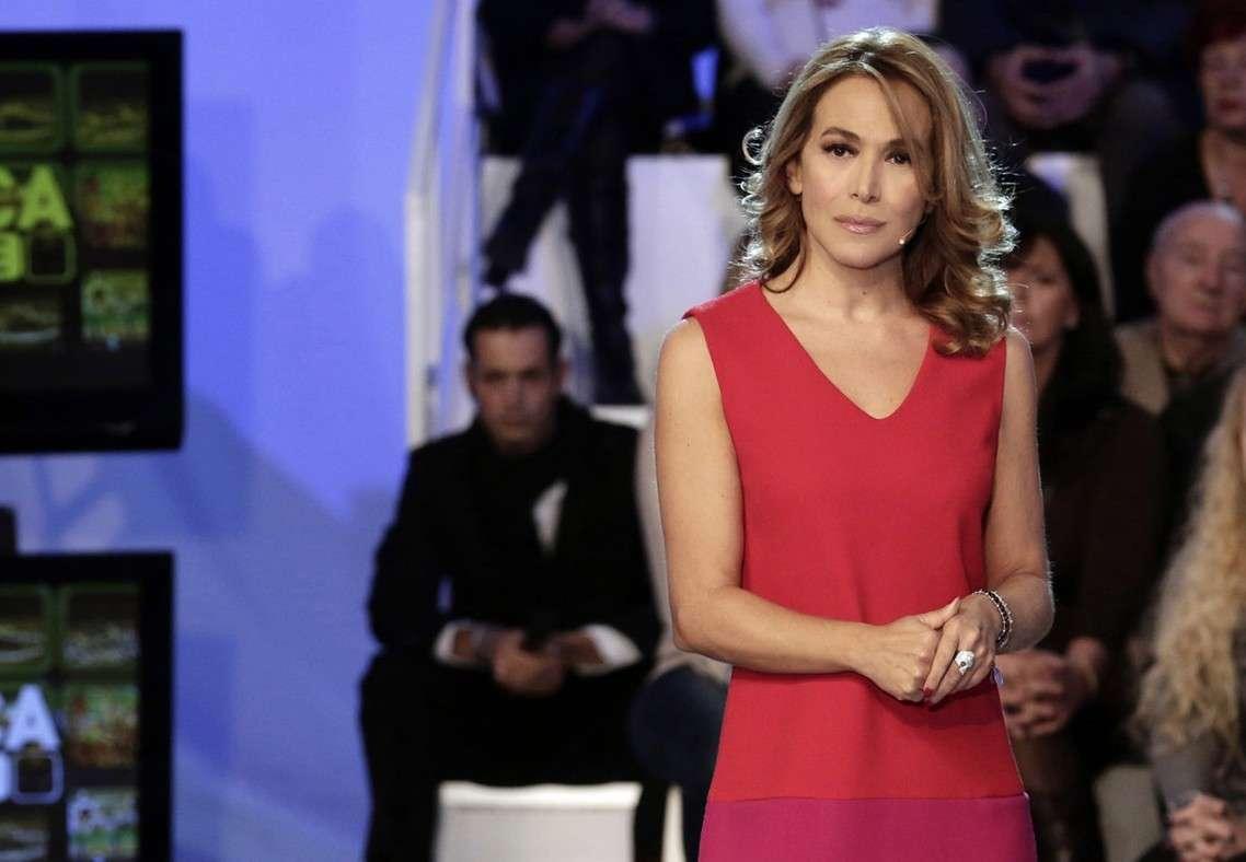 Barbara D'Urso e Bobo Vieri insieme: si abbracciano teneramente dopo una cena