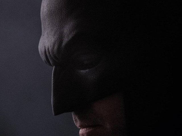 Batman v Superman: Ben Affleck nella prima immagine dell'uomo pipistrello