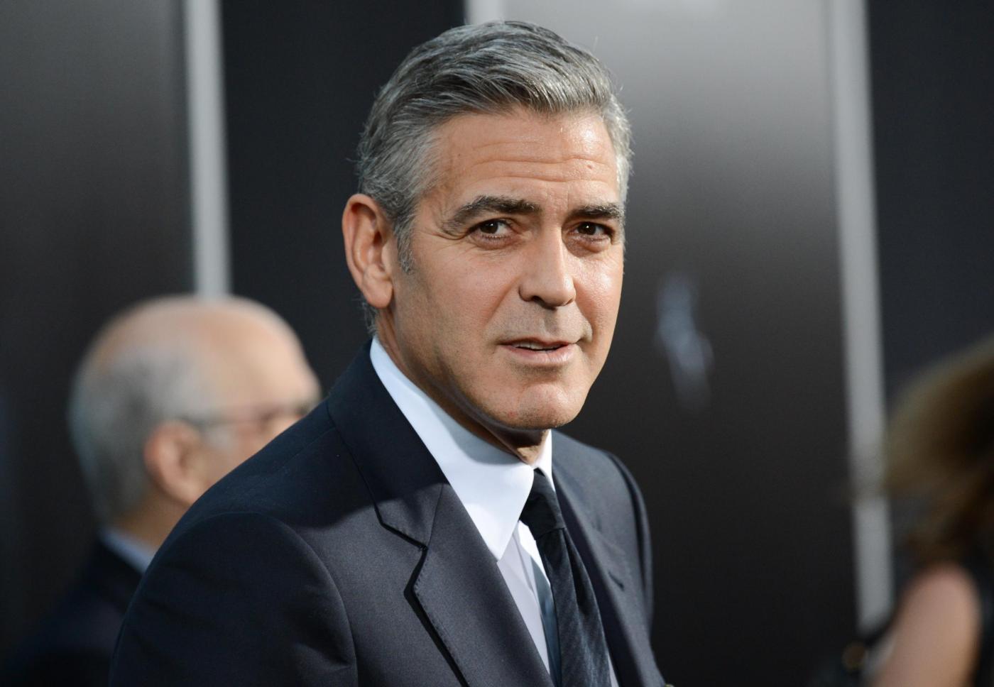 George Clooney contro il Daily Mail: l'attore difende la suocera
