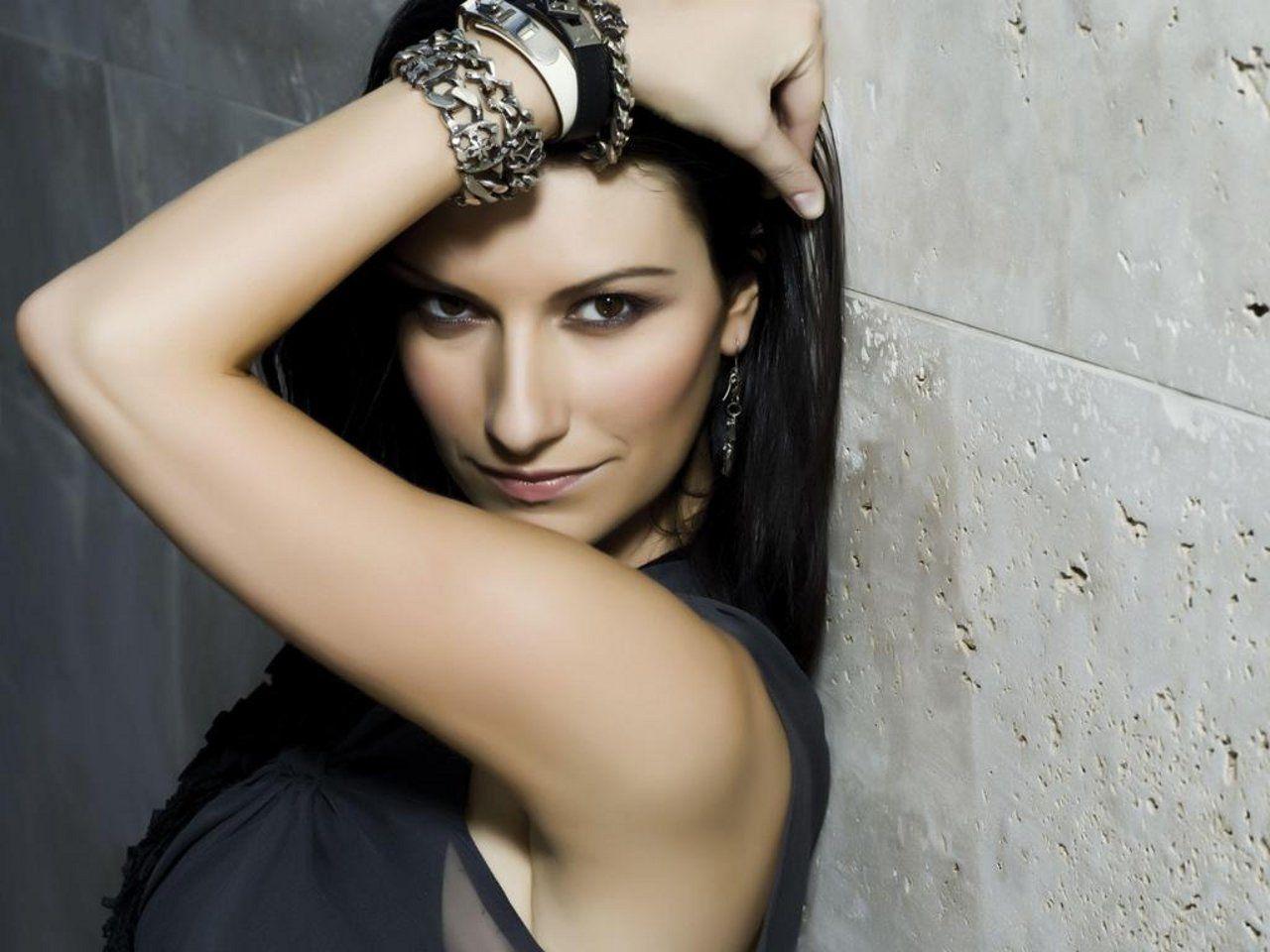 Laura Pausini senza veli