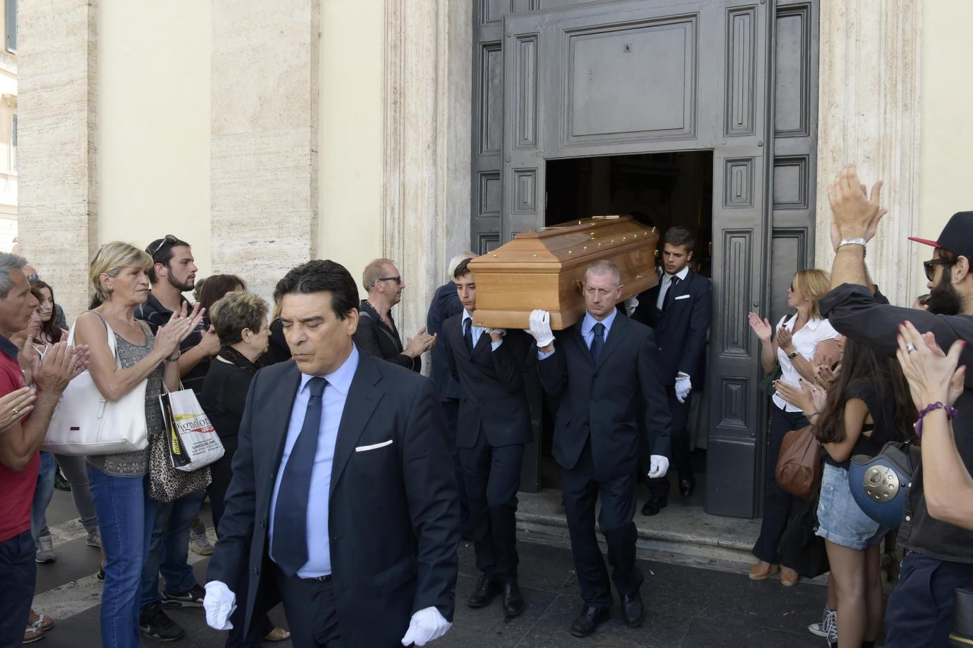 Silvio Oddi: funerali del ballerino e coreografo di Amici