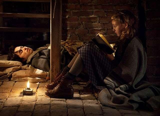Storia di una ladra di libri: dalla trama del libro di Markus Zusak al film di Brian Percival