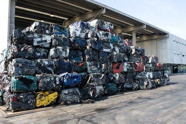 Demolizione auto: costo, documenti e cosa fare