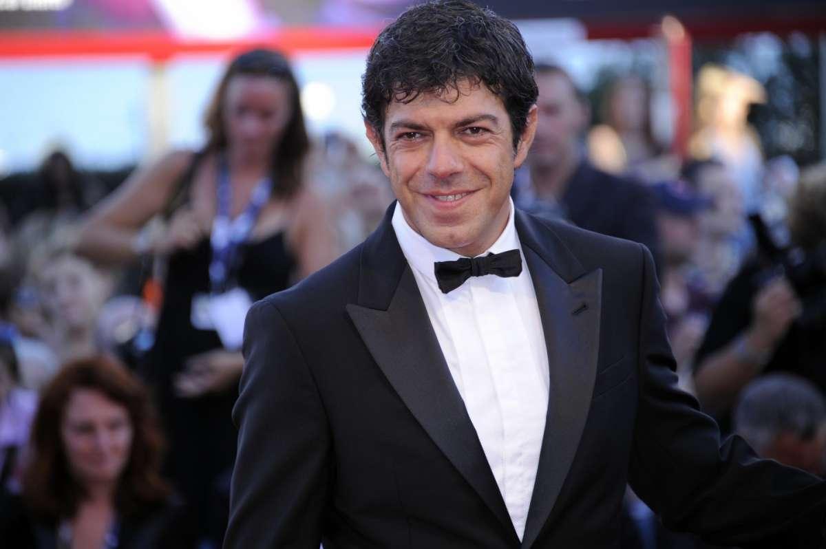 Pierfrancesco Favino Senza nessuna pietà: per il nuovo film è ingrassato venti chili