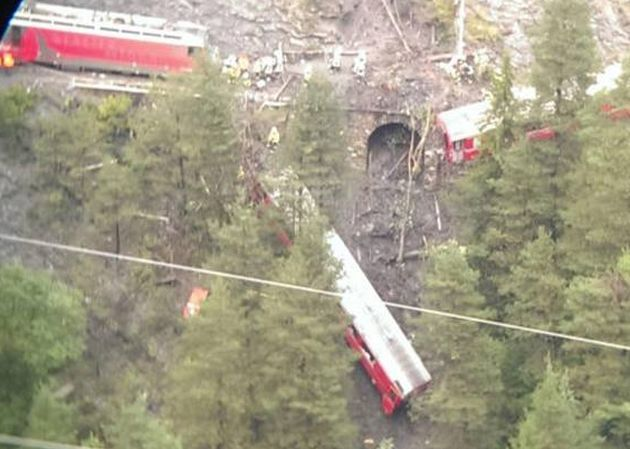 Treno deragliato in Svizzera: 11 feriti