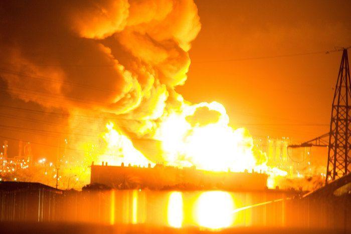 Milazzo, incendio alla raffineria Mediterranea: si teme il disastro ambientale