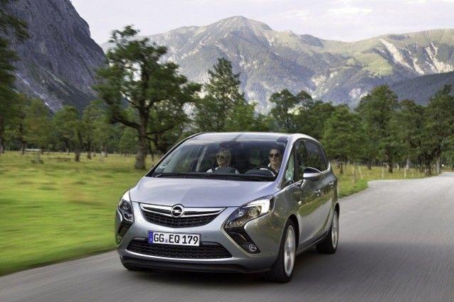 Opel Zafira in movimento