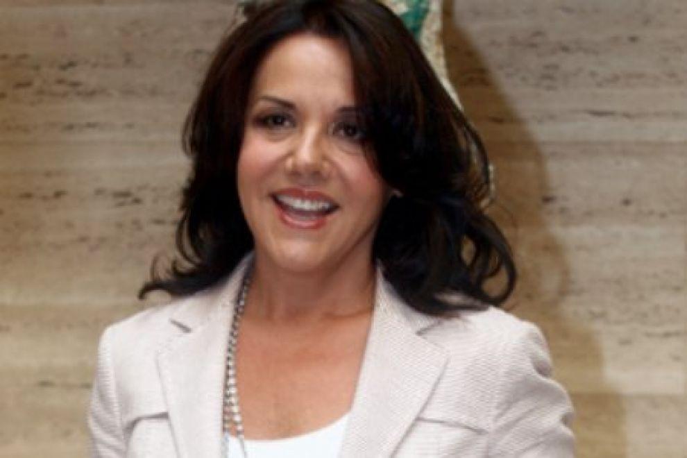 Miss Italia, il regolamento apre alle trans? Mirigliani ci pensa, Luxuria è soddisfatta