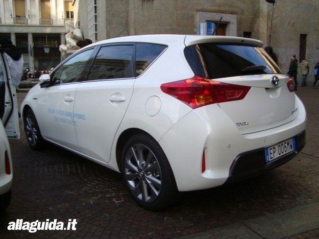 Toyota Auris Hybrid posteriore