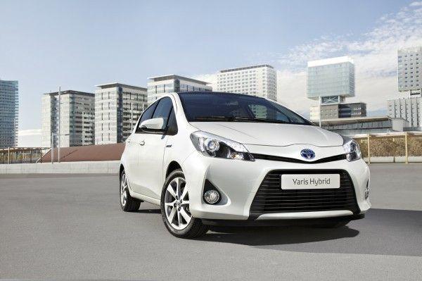 Toyota Yaris Hybrid anteriore