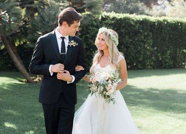 Ashley Tisdale, matrimonio con Christopher French: le foto su Instagram