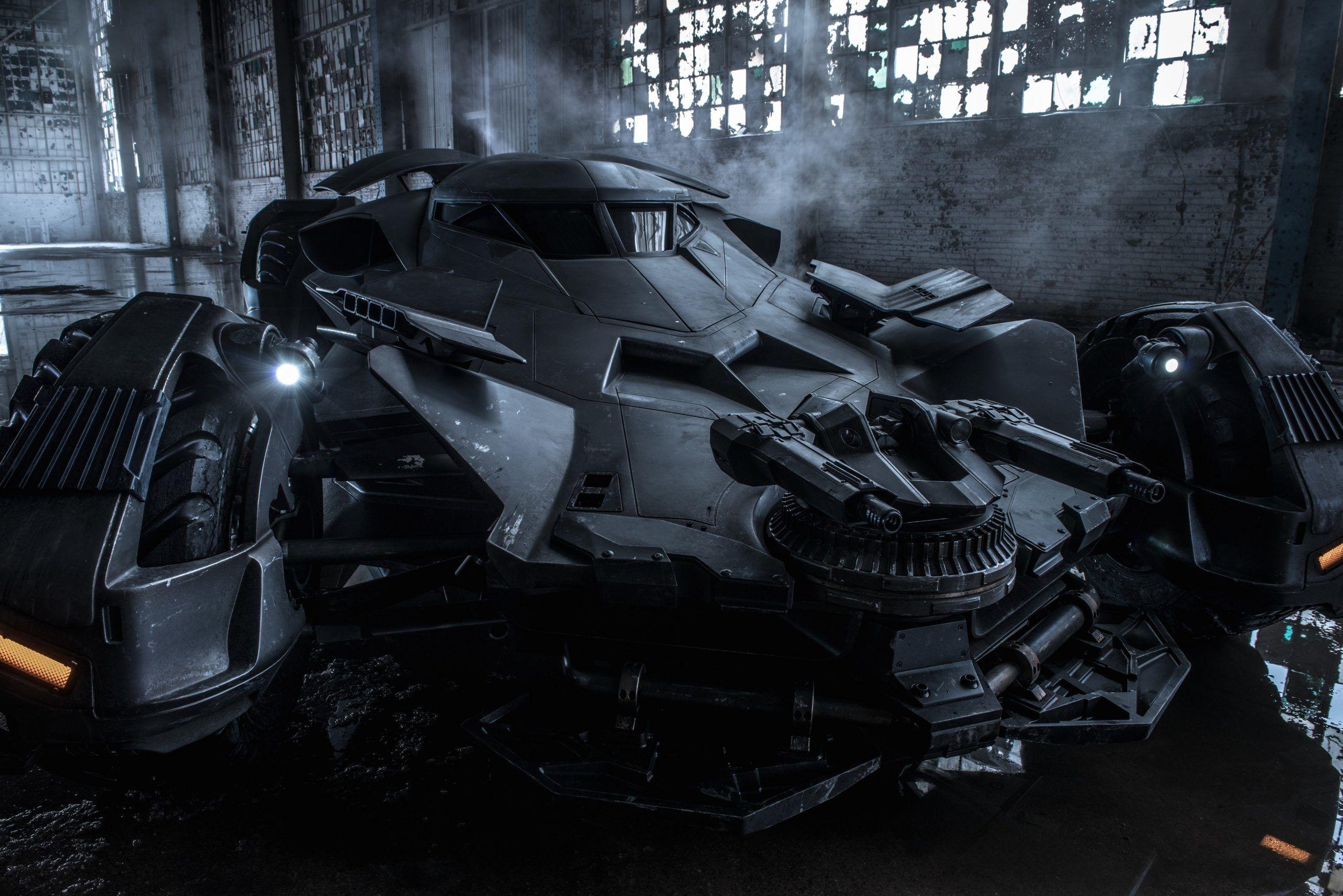 Batman v Superman Dawn of Justice: la batmobile di Ben Affleck