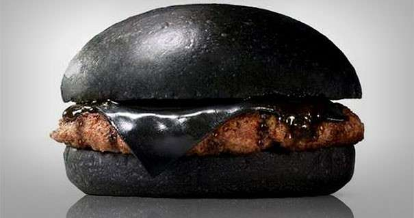 Hamburger nero: in Giappone Burger King lancia la novità, il Kuro Burger