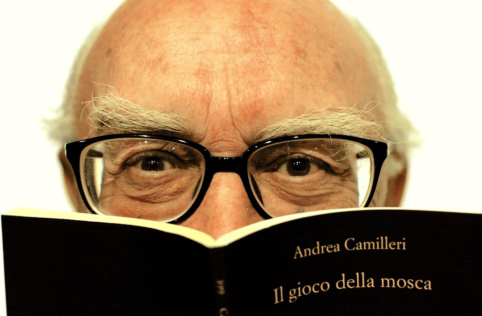 'Camilleri a prima vista': le copertine del commissario Montalbano in mostra a Bologna dal 17 settembre al 19 ottobre