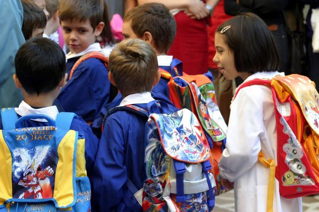 Come scegliere lo zaino per la scuola: i consigli dei pediatri