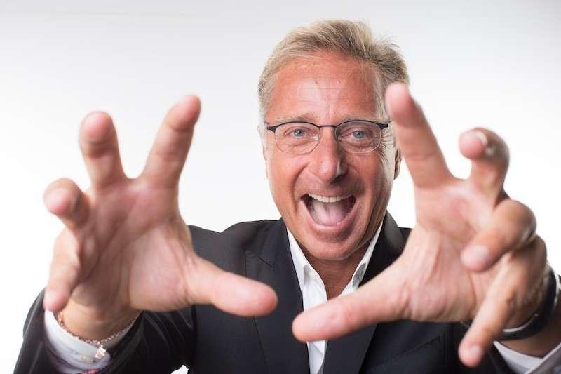 Paolo Bonolis, il conduttore di Avanti un altro rivela: 'Ho fatto uso di LSD'