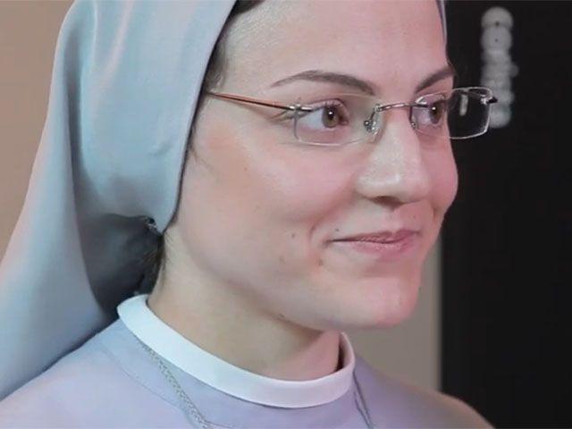 Suor Cristina, Like a Virgin: video della cover del brano di Madonna