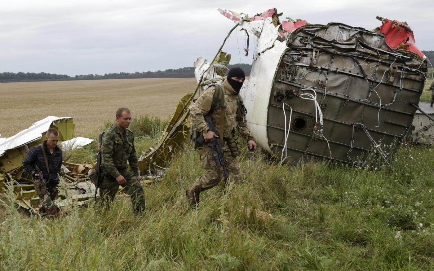 Aereo abbattuto in Ucraina, i servizi segreti tedeschi rivelano: 'Sono stati i filorussi'