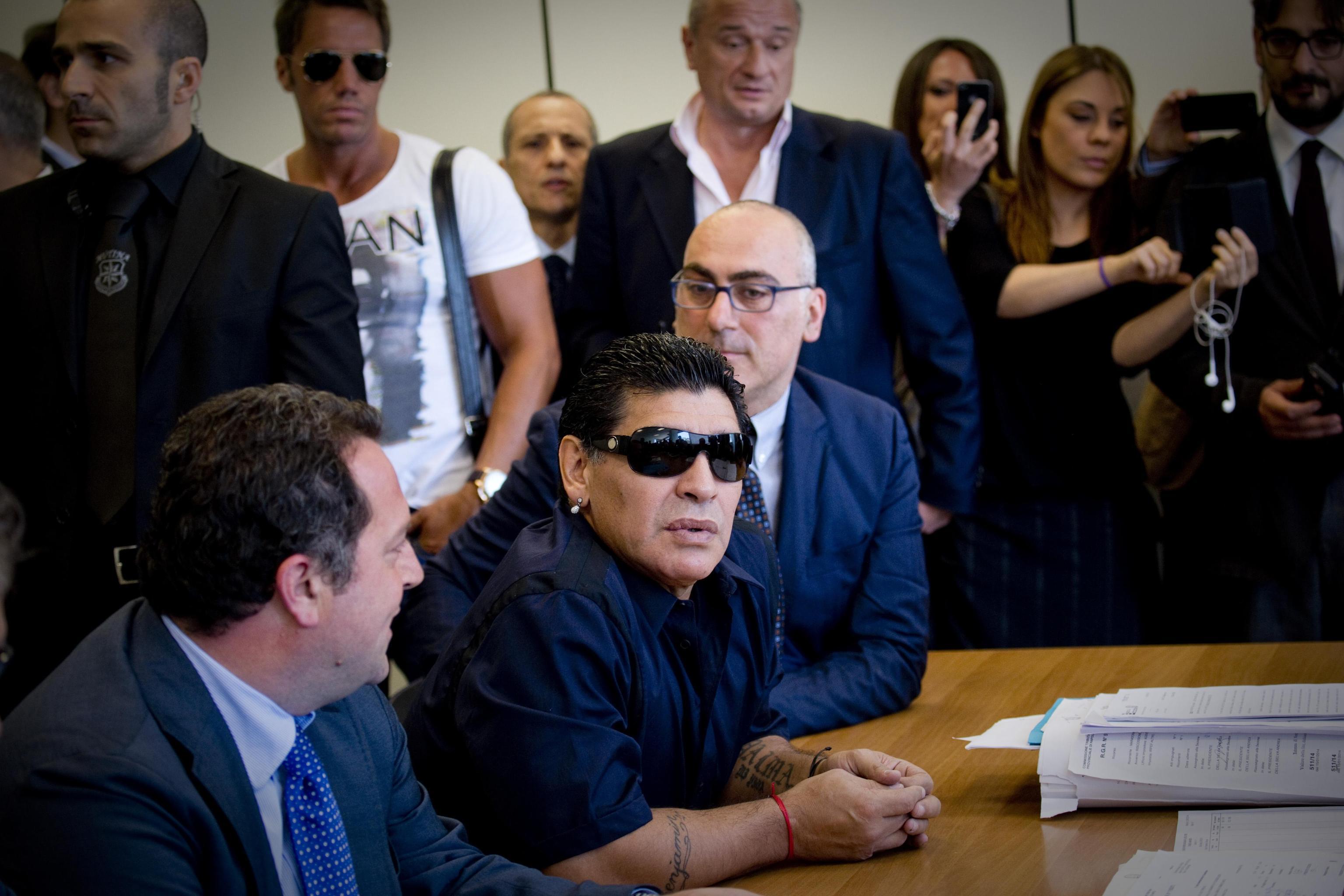 Fisco: Maradona consegna dossier a Commissione tributaria