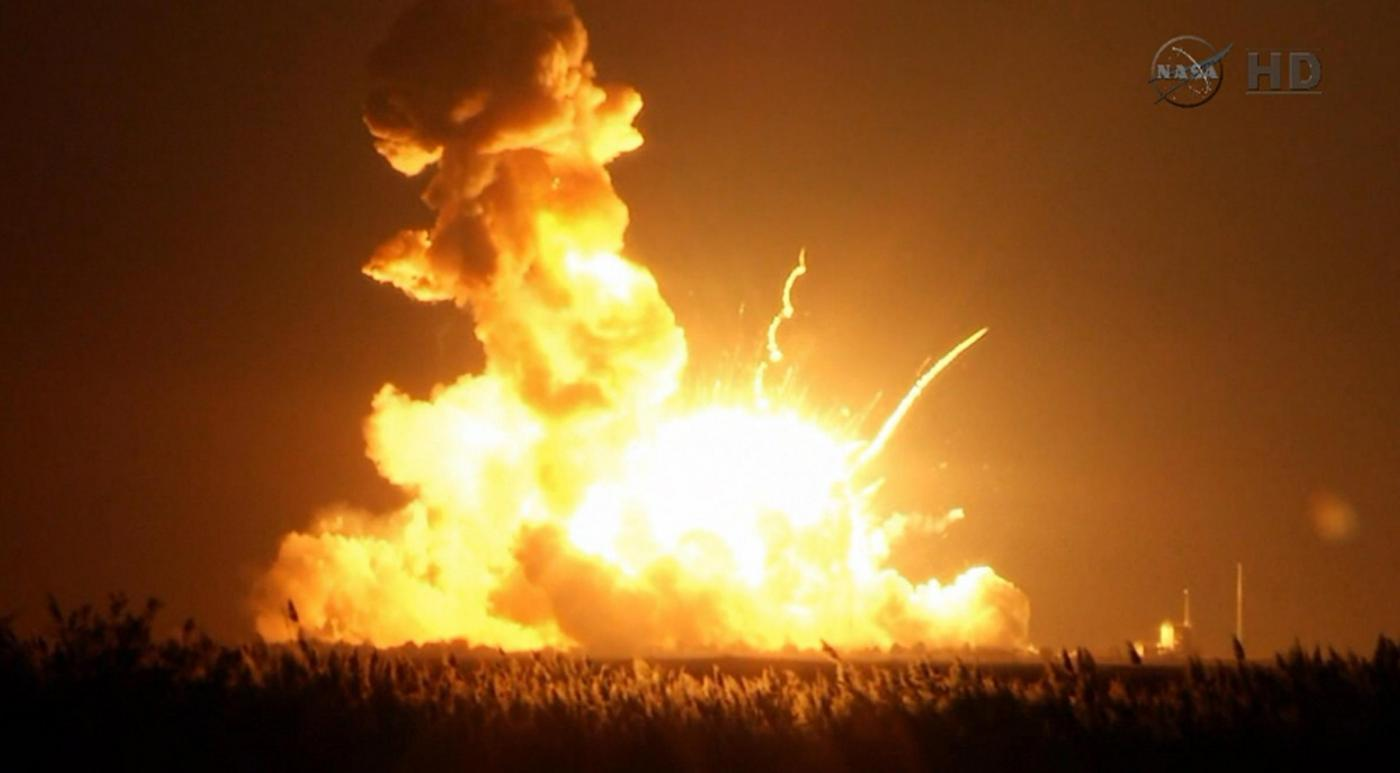 Razzo NASA esplode al lancio: 'Anomalia catastrofica'