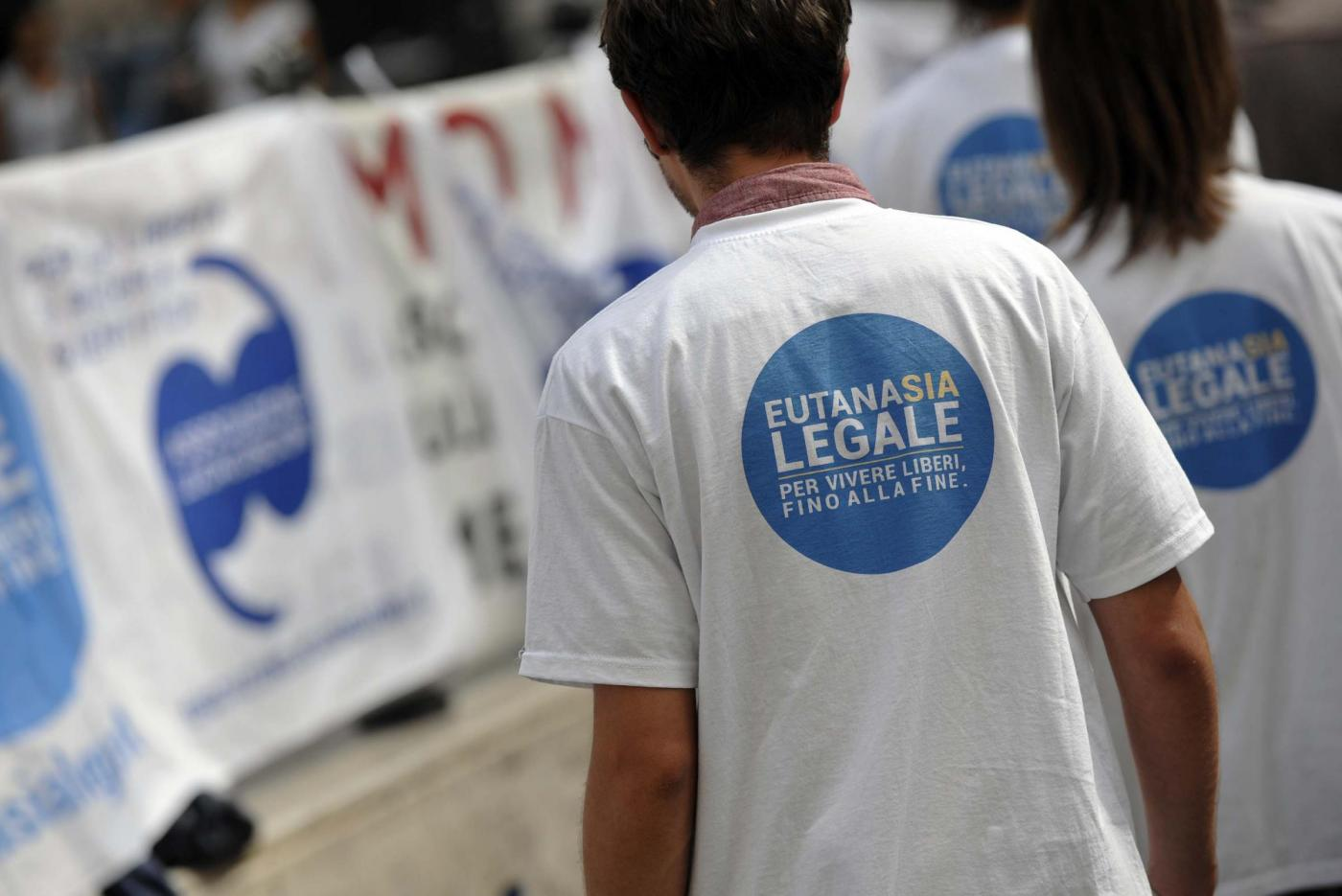 Walk around a Piazza Montecitorio per eutanasia con Mina Welby