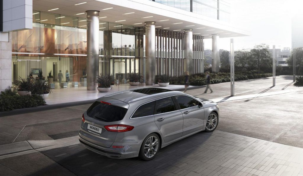 Ford Mondeo 2015 station wagon posteriore 1024x596