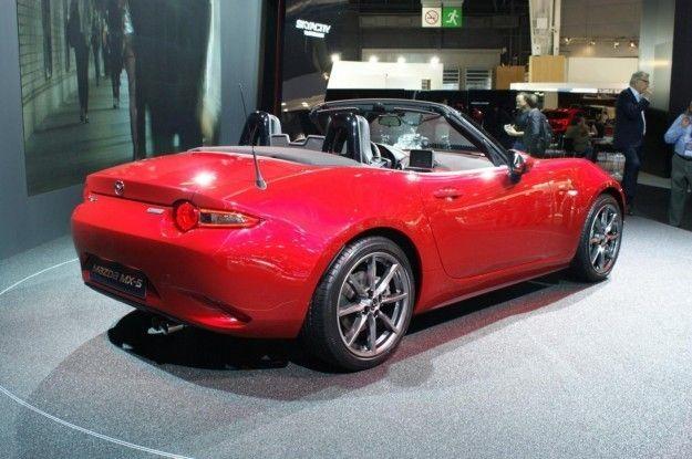 Mazda MX 5 posteriore