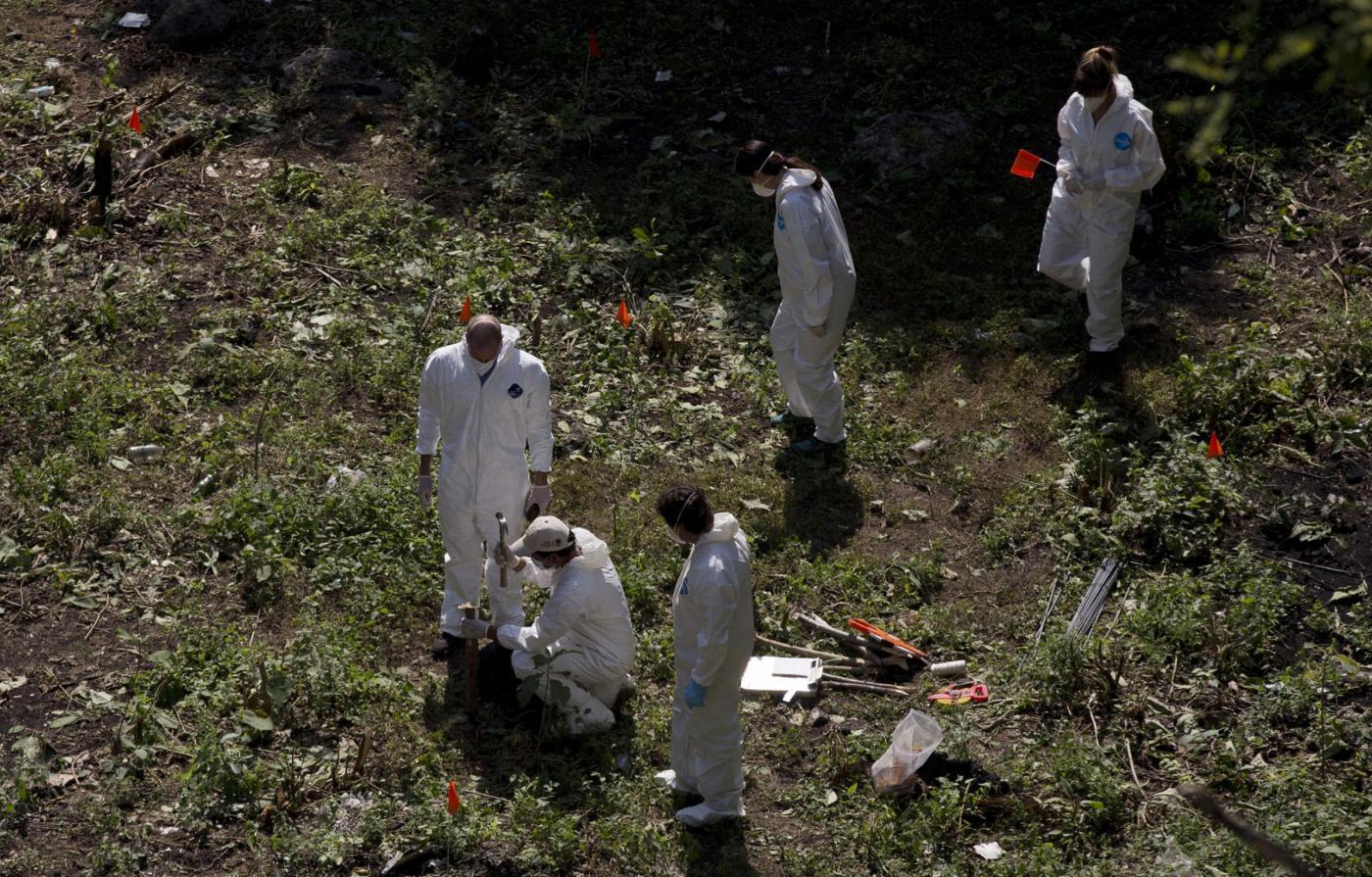 Studenti scomparsi in Messico: tre sicari dei narcos confessano di averli uccisi