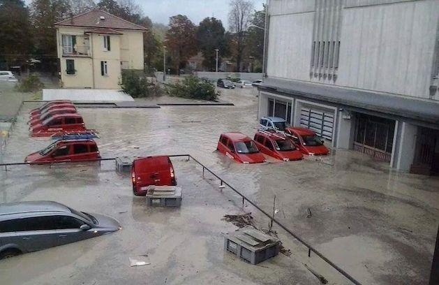 Alluvioni in Italia: la colpa dei disastri è davvero dei politici?