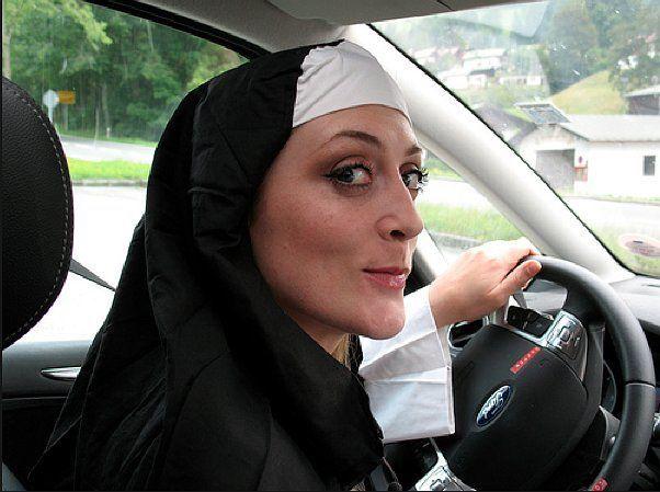Suora al volante
