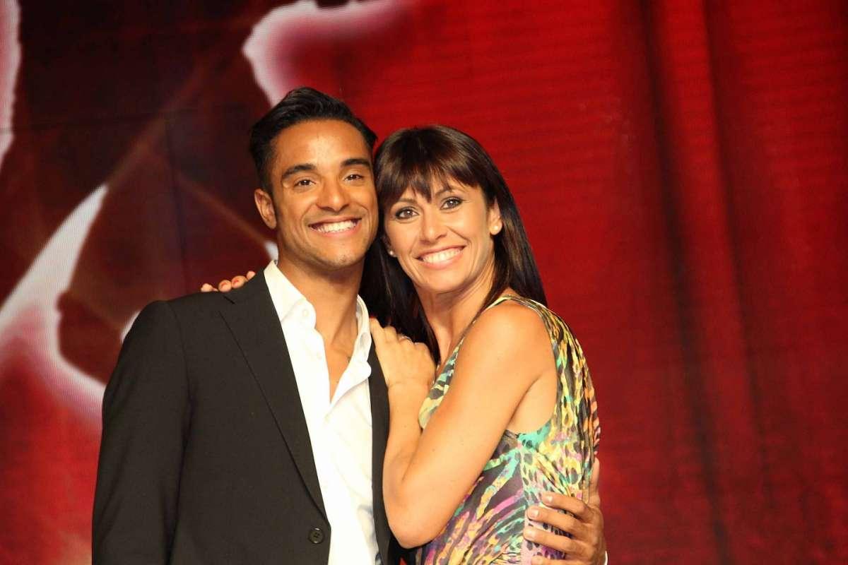 Ballando con le stelle: Andrew Howe è fidanzato ma bacia una redattrice del talent
