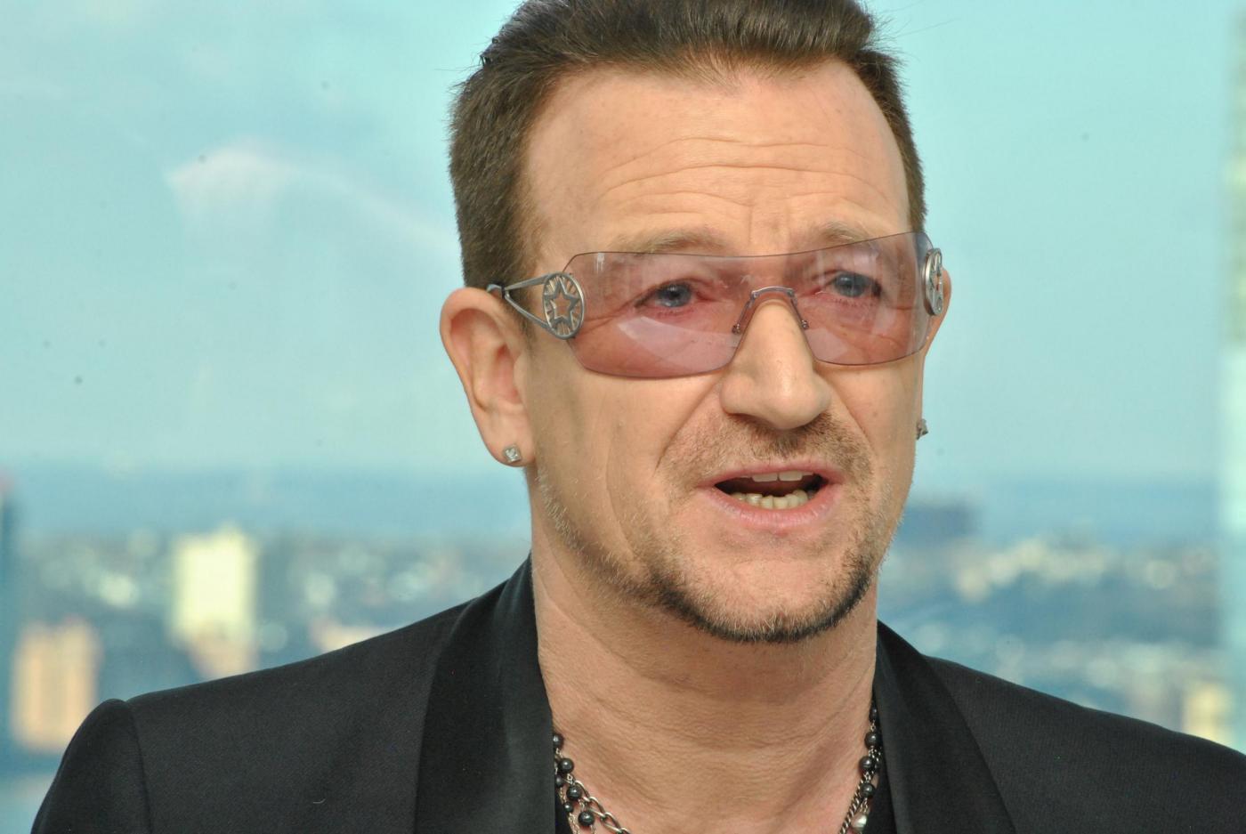 Bono Vox degli U2 rivela: 'Occhiali? Li porto perché ho un glaucoma'
