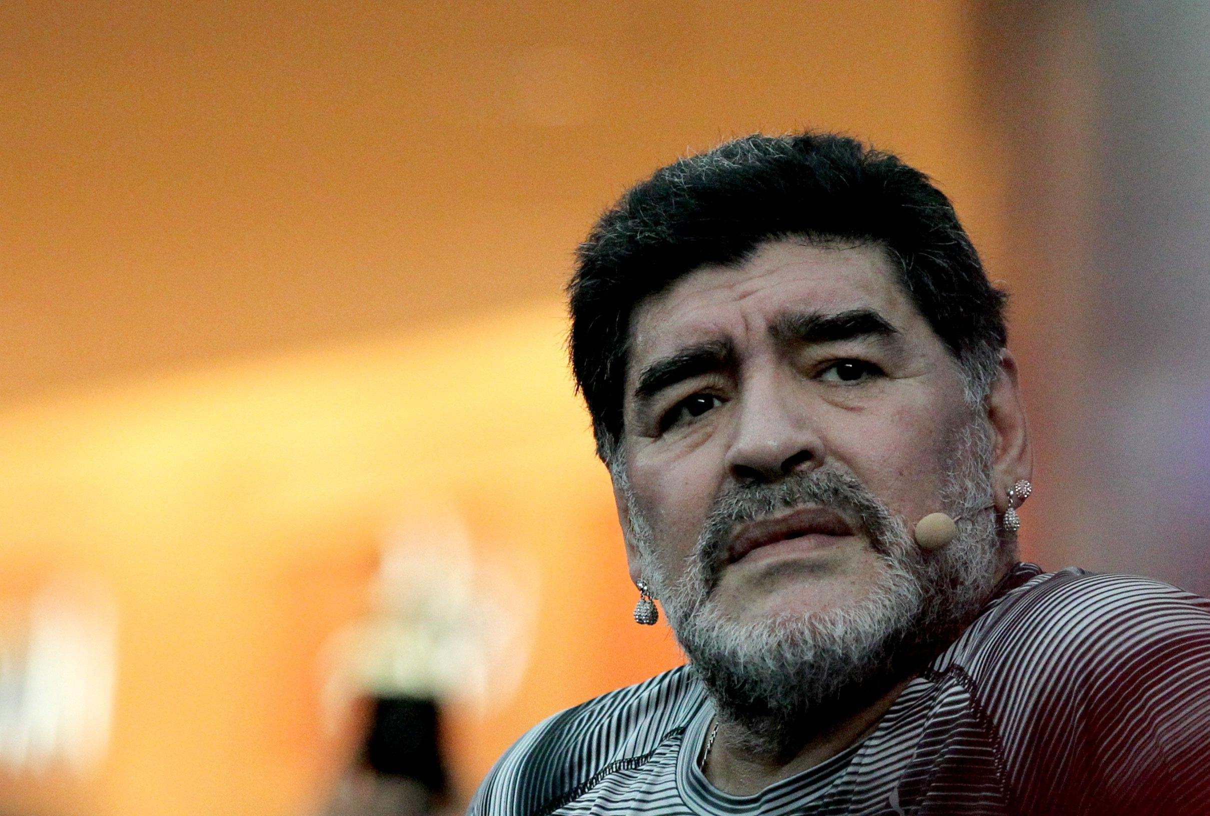 Maradona: tutti i suoi autogol fuori dal campo
