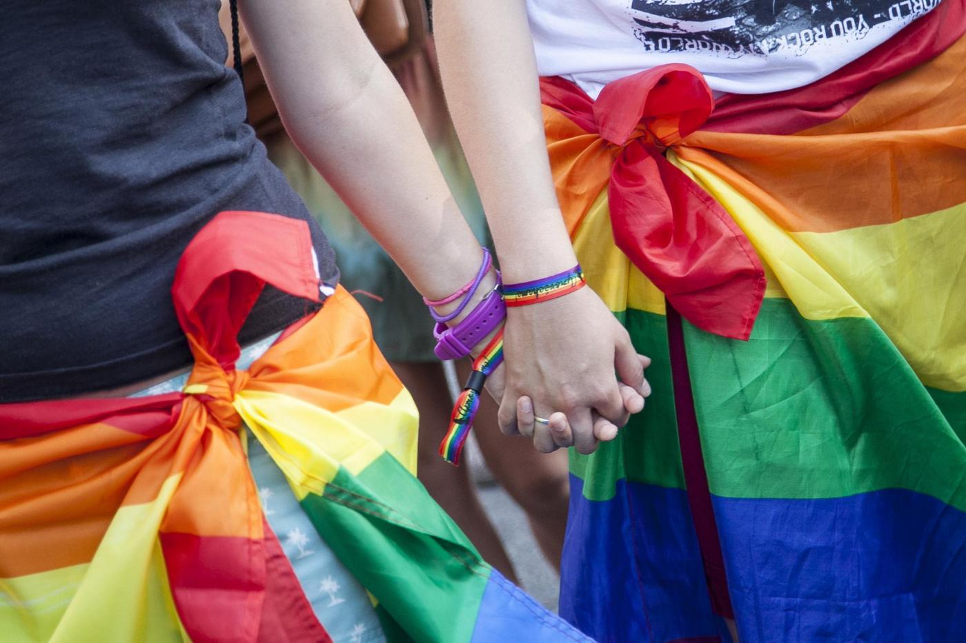 Omofobia: in Italia la politica ottusa genera discriminazione e violenza