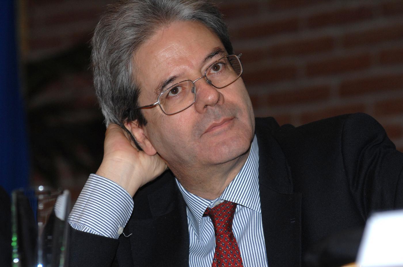 Ministro degli Esteri italiano: Renzi nomina Paolo Gentiloni