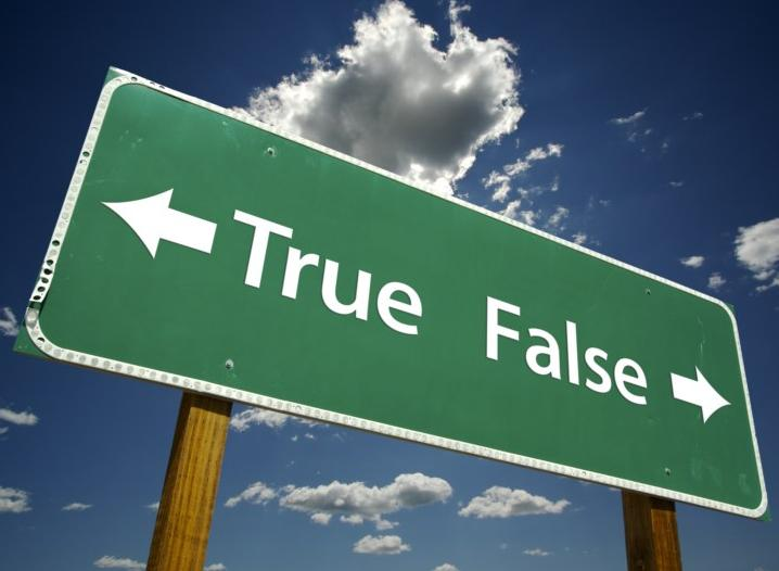 Le notizie false che hanno cambiato la storia: l'effetto dei media sul destino dell'uomo