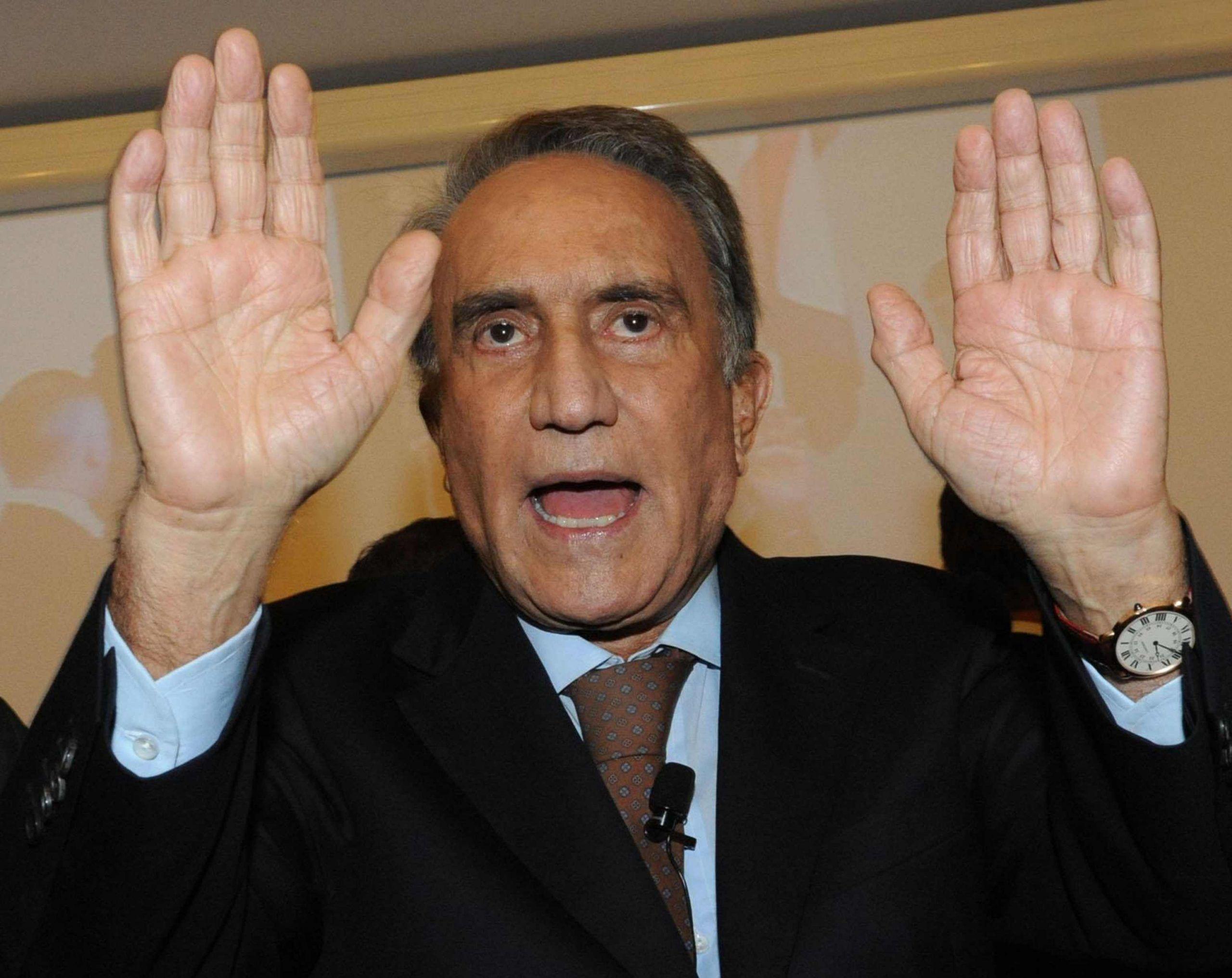 Emilio Fede via da Mediaset: l'ex direttore del Tg 4 impugna il licenziamento