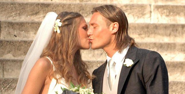 Ilary Blasi: 'Il matrimonio con Francesco Totti? Rifarei tutto daccapo'