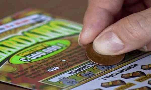 Perde 3mila euro in Gratta e Vinci, fa ricorso e ottiene il rimborso