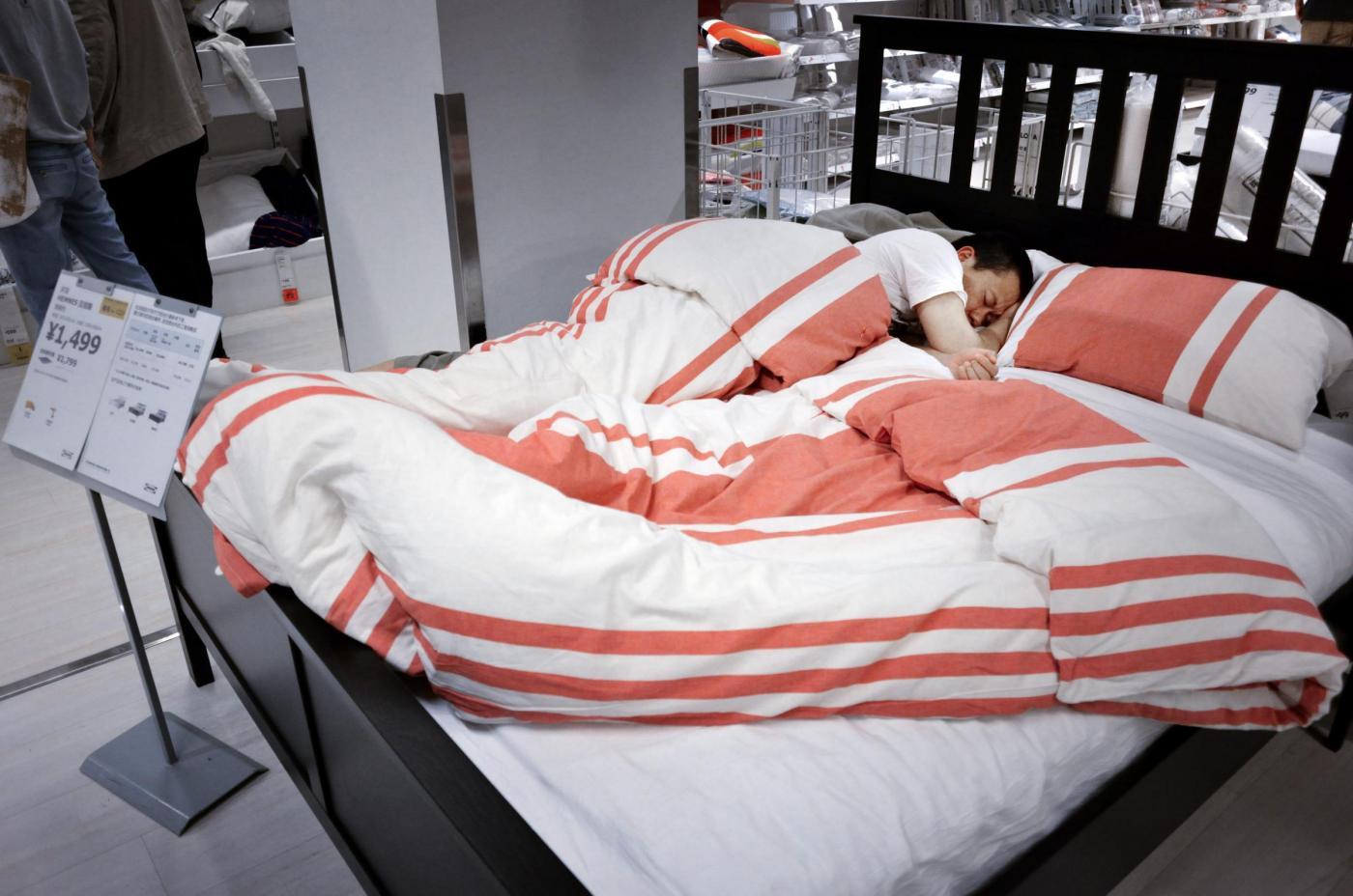 Dodicenne scappa di casa e vive all'Ikea per una settimana